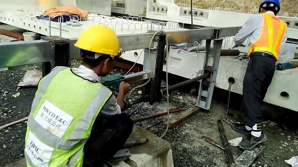 Giá khoan sàn bê tông tại Tphcm bao nhiêu?